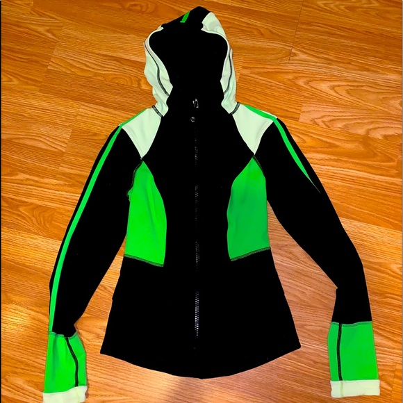 Lululemon studio surf jacket. EUC!